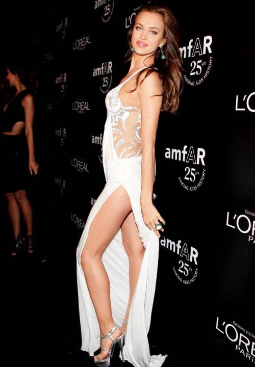 Irina Shayk nuda per GQ di settembre 13