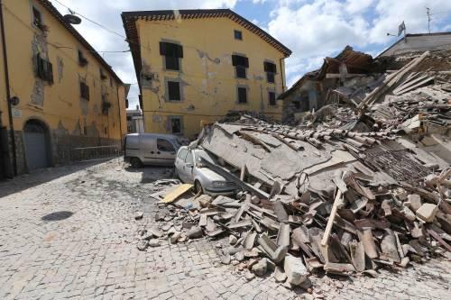 Lady Gaga per il terremoto: foto 9