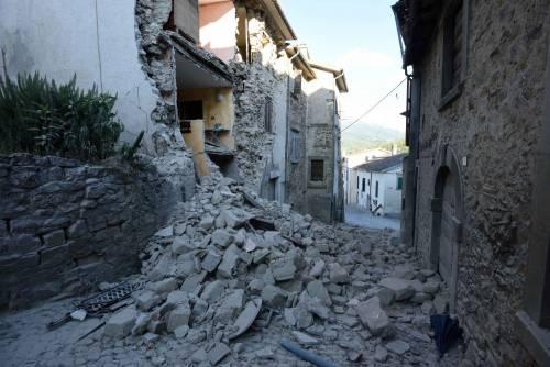 Lady Gaga per il terremoto: foto 22