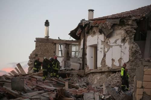Lady Gaga per il terremoto: foto 25