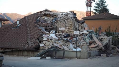 Lady Gaga per il terremoto: foto 36