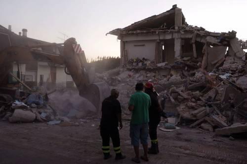 Lady Gaga per il terremoto: foto 35