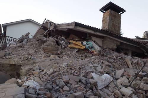 Lady Gaga per il terremoto: foto 34