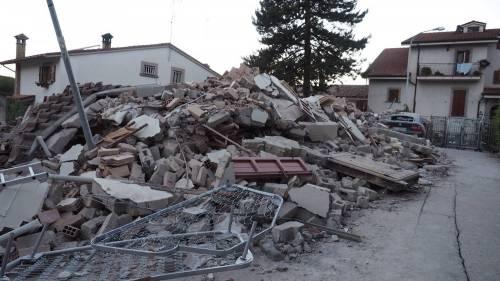 Lady Gaga per il terremoto: foto 39