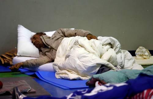 Terremoto, la prima notte degli sfollati tra freddo e paura 10