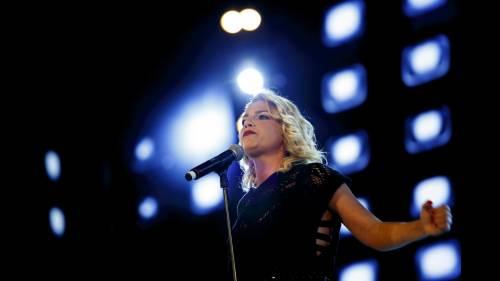 Emma Marrone sensibilizza i fan per il terremoto: foto 9