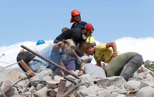 Emma Marrone sensibilizza i fan per il terremoto: foto 12