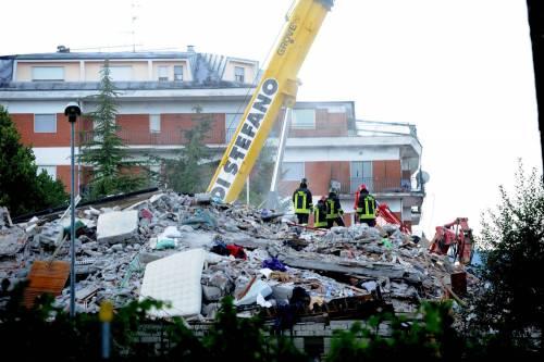 Emma Marrone sensibilizza i fan per il terremoto: foto 18