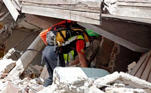 Emma Marrone sensibilizza i fan per il terremoto: foto 24