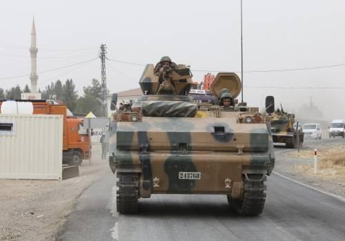 I carri armati turchi penetrano in Siria 4