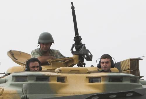 I carri armati turchi penetrano in Siria 6