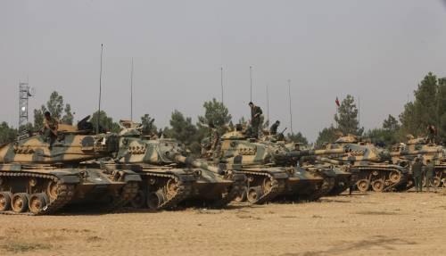 I carri armati turchi penetrano in Siria 7