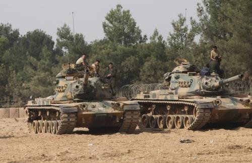 I carri armati turchi penetrano in Siria 10