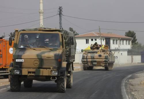 I carri armati turchi penetrano in Siria 11