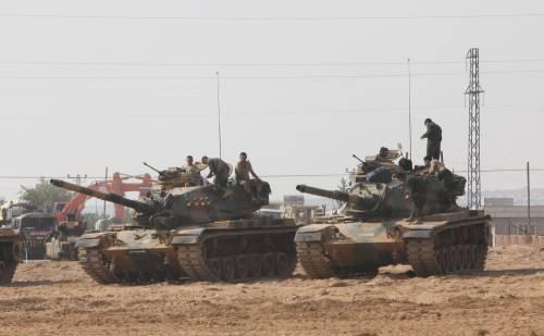 I carri armati turchi penetrano in Siria 3