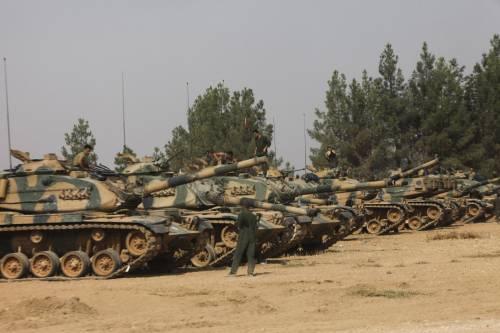 I carri armati turchi penetrano in Siria 13