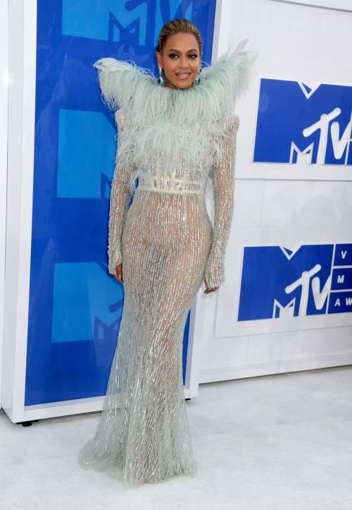 Beyoncé sexy nella performance agli Mtv Vma 5
