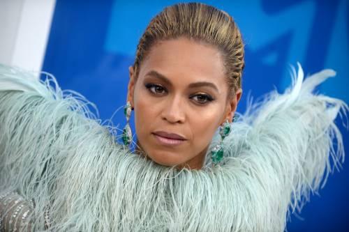 Beyoncé sexy nella performance agli Mtv Vma 6