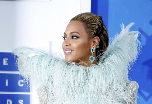Beyoncé sexy nella performance agli Mtv Vma 8