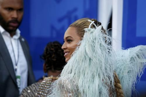 Beyoncé sexy nella performance agli Mtv Vma 9