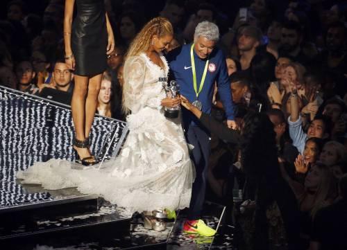 Beyoncé sexy nella performance agli Mtv Vma 2