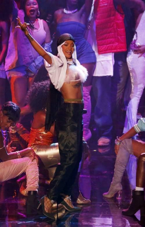 MTV VMA 2016: Drake e Rihanna, le immagini 10