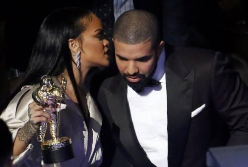 MTV VMA 2016: Drake e Rihanna, le immagini 15