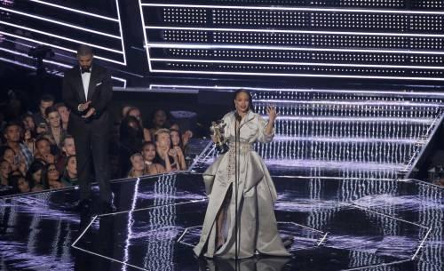 MTV VMA 2016: Drake e Rihanna, le immagini 16