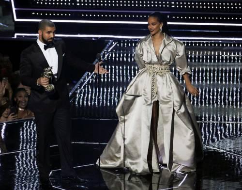 MTV VMA 2016: Drake e Rihanna, le immagini 22