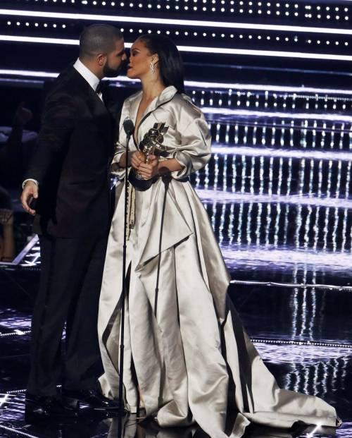 MTV VMA 2016: Drake e Rihanna, le immagini 2