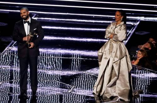 MTV VMA 2016: Drake e Rihanna, le immagini 26