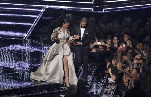 MTV VMA 2016: Drake e Rihanna, le immagini 28