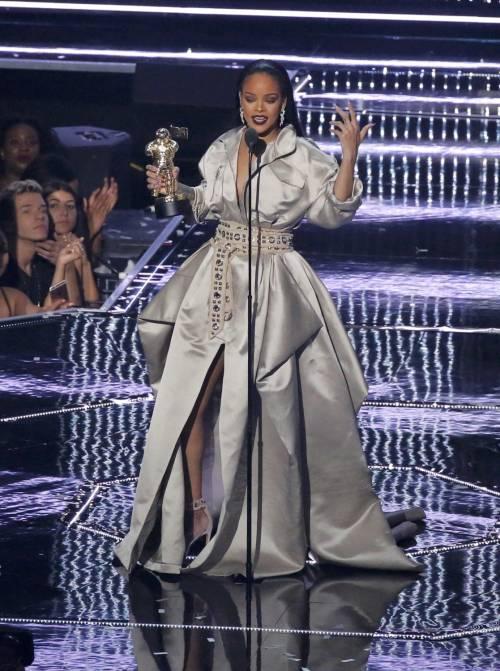 MTV VMA 2016: Drake e Rihanna, le immagini 27