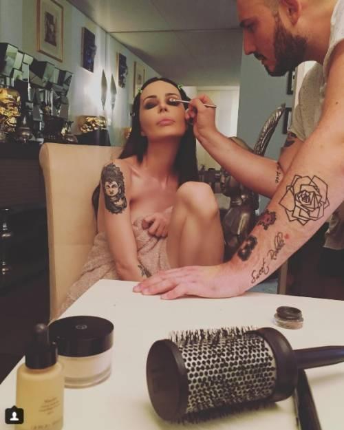 Nina Moric, le foto più sexy su Instagram 6