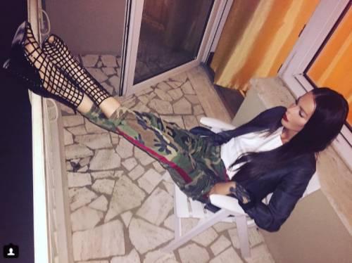 Nina Moric, le foto più sexy su Instagram 17