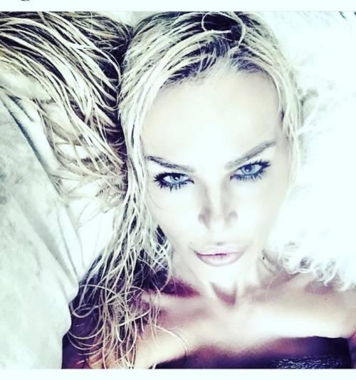 Nina Moric, le foto più sexy su Instagram 31