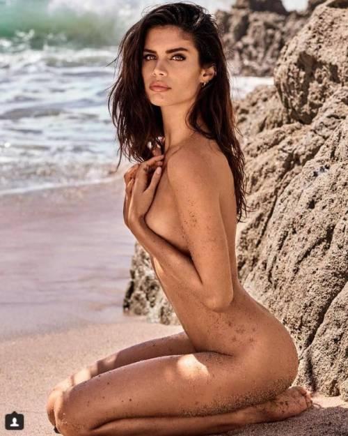 Sara Sampaio sexy su Instagram: foto 22