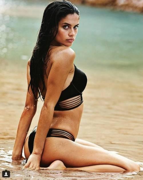 Sara Sampaio sexy su Instagram: foto 35