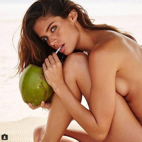 Sara Sampaio sexy su Instagram: foto 37