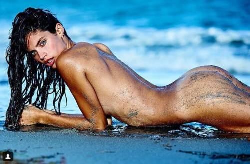 Sara Sampaio sexy su Instagram: foto 40