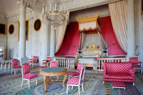 False sedie del Settecento. Beffa milionaria a Versailles