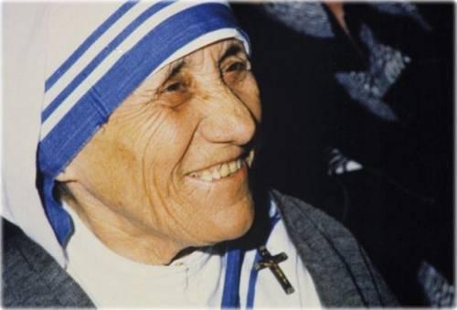 Madre Teresa, la gigante più forte della povertà