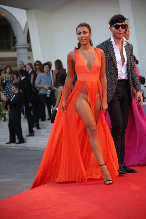 Dayane Mello e Giulia Salemi, spacco profondo a Venezia 42