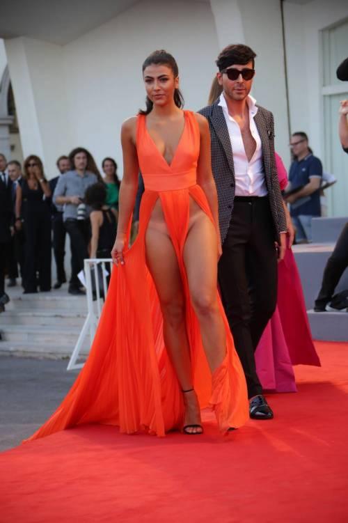 Dayane Mello e Giulia Salemi, spacco profondo a Venezia 43
