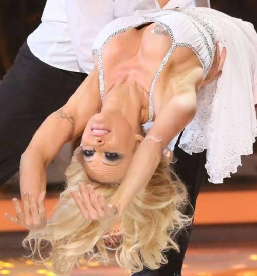Pamela Anderson, la più sexy ieri e oggi 17