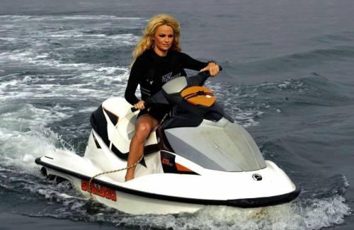 Pamela Anderson, la più sexy ieri e oggi 16