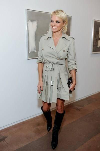 Pamela Anderson: le foto della bionda tutta curve 6