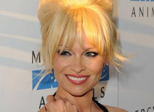 Pamela Anderson: le foto della bionda tutta curve 9