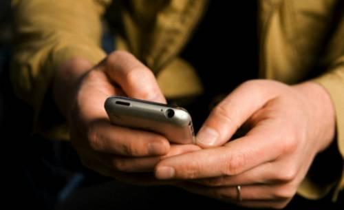 Telefonia mobile, l'Europa mette un tetto ai prezzi di chiamate e sms