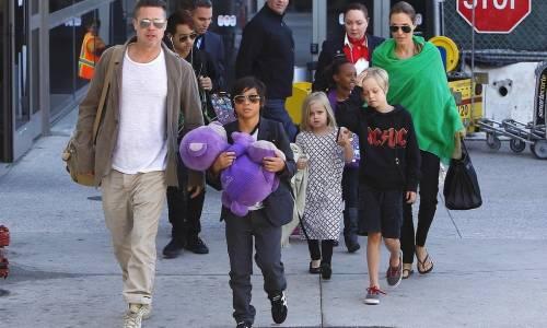 """""""I figli della Jolie e Pitt bevono vino, non vanno a scuola e girano con un coltellino"""""""